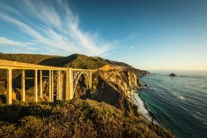 BixbyBridge am Coastal Highway (© by Visit California-Myles McGuiness)